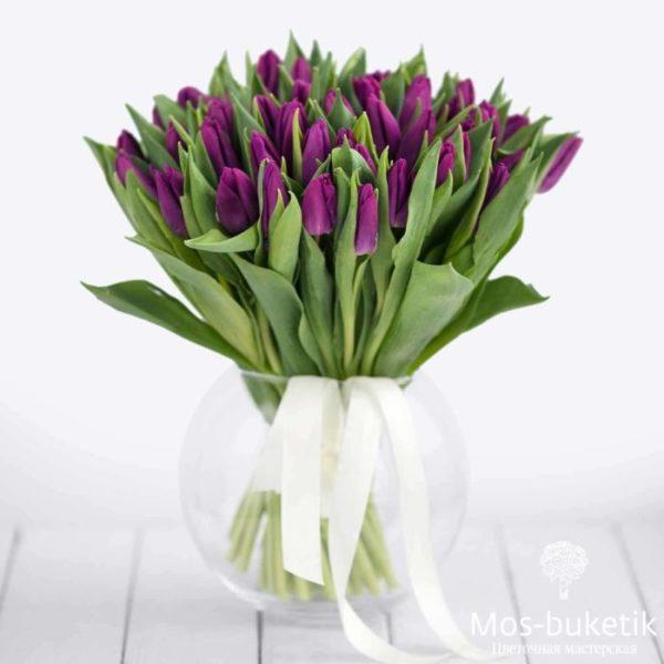 Букет из 51 тюльпанов