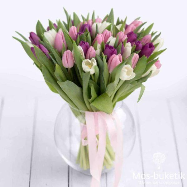 Букет из 51 тюльпанов купить в Москве!