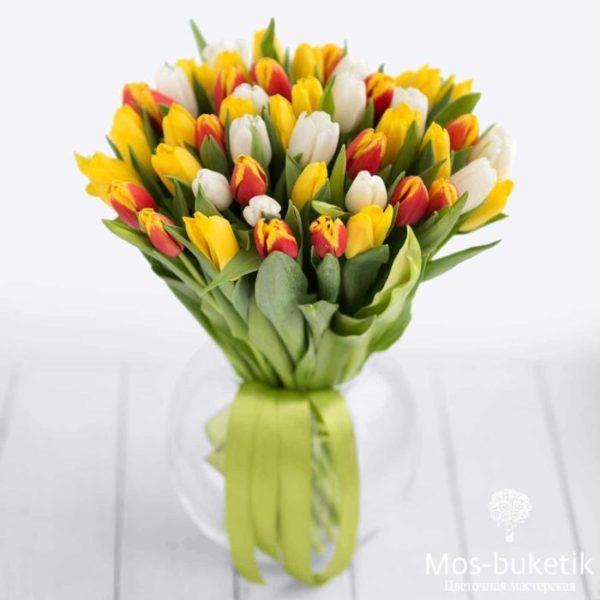 Букет из микс тюльпанов