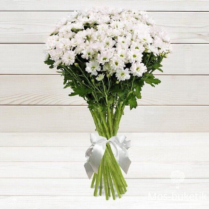 Букет из 15 белых ромашковых хризантем