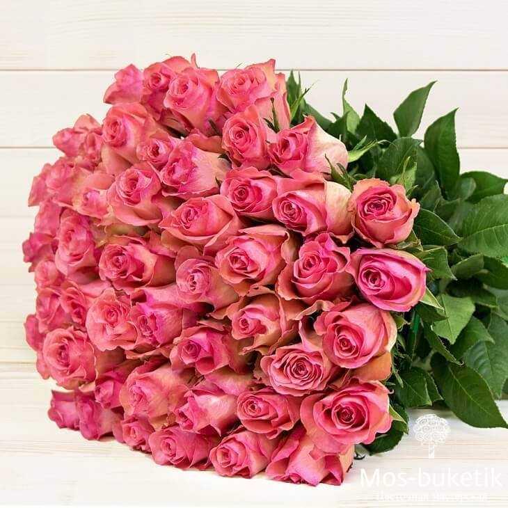Букет из 25 ярко розовых роз