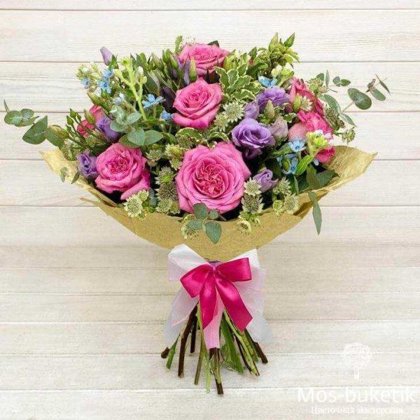 Авторские букеты из розы, лизиантус и альстромеия Чудесный сад. Мос Букетик купить дешевые букеты в Москве
