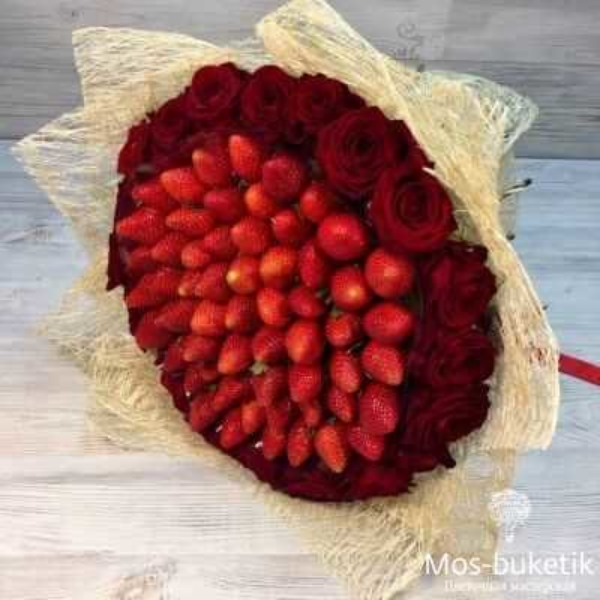 Клубники с розами №2