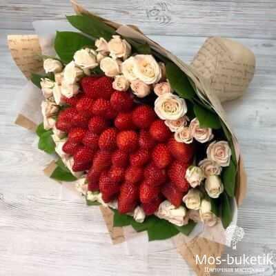 Клубники с розами