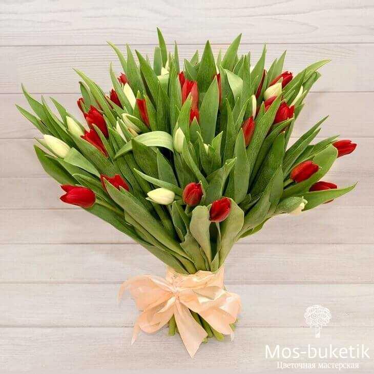 Букет из 49 тюльпанов в ленте