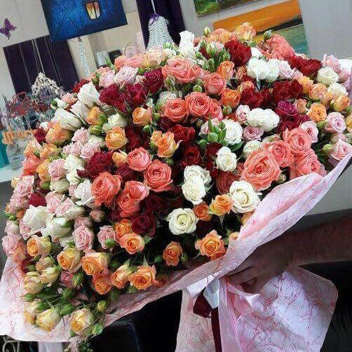 Букет из 101 микс кустовых роз