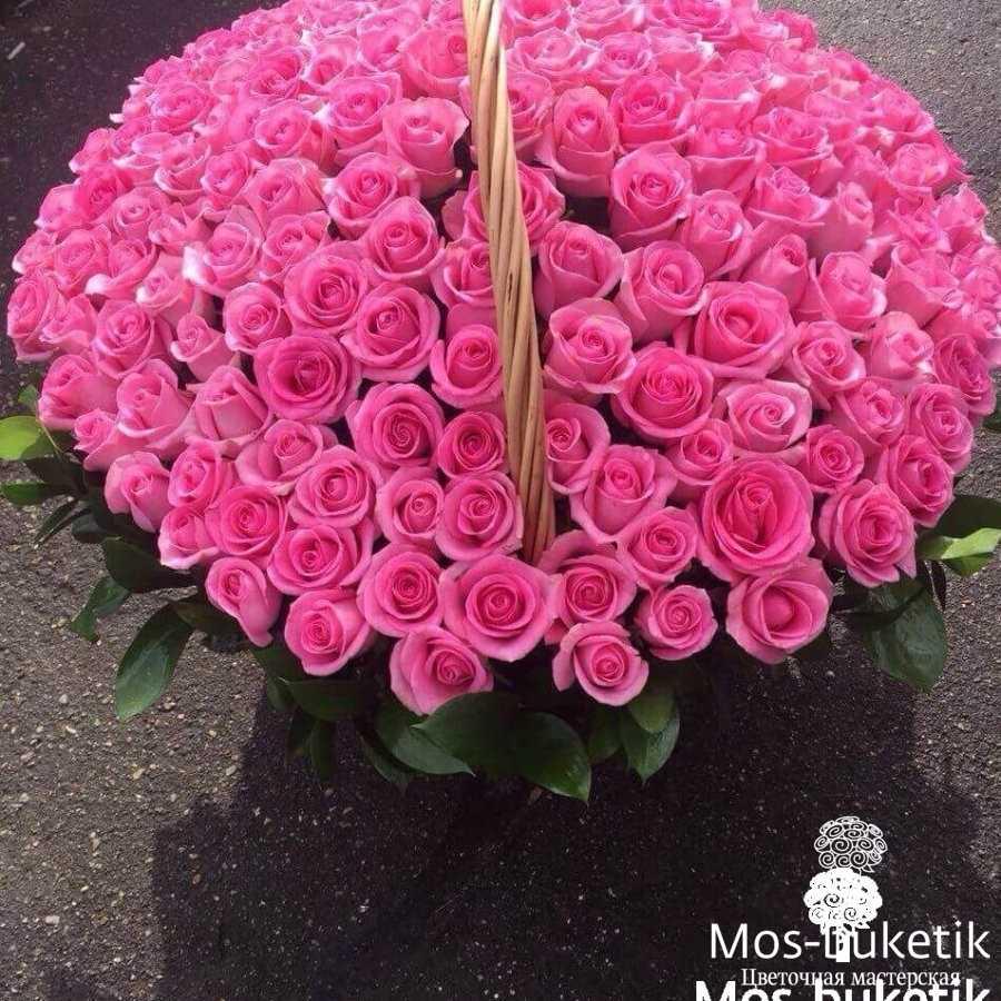 Корзина из 151 розовой розы