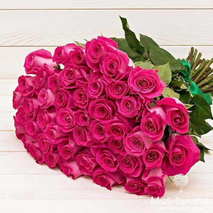 Букет из 25 эквадорских розовых роз в ленте | доставка 0 руб!