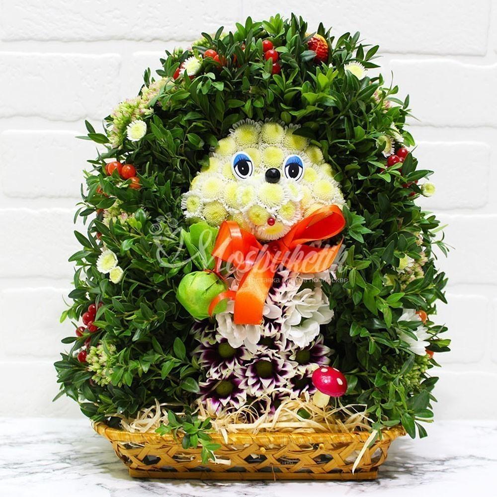 Ёжик из живых цветов в Москве