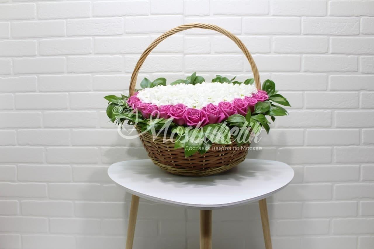 29 роз с хризантемами в виде сердце