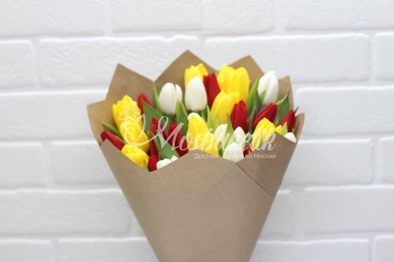 Букет из 31 микс тюльпанов