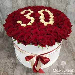 101 розы в шляпной коробке