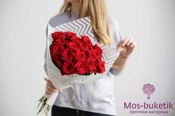Букет из 19 розы купить