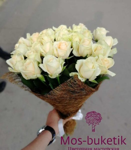 Букет из 21 роз в сезале