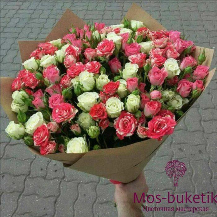 Букет из 29 кустовая роза