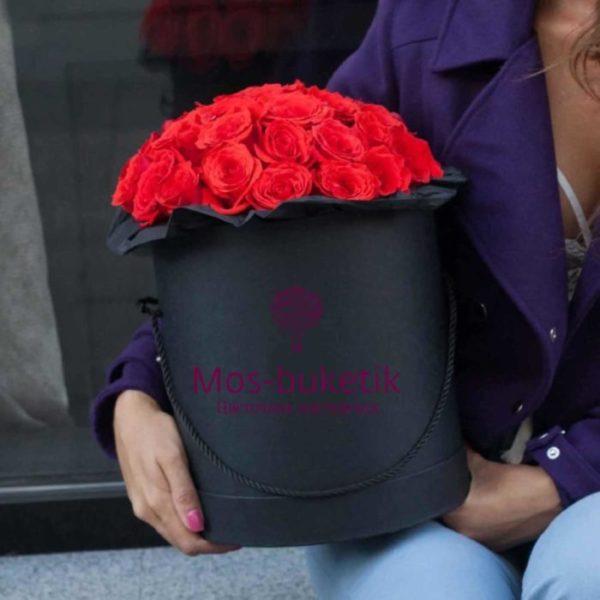Букет из 25 малиновых роз в коробке
