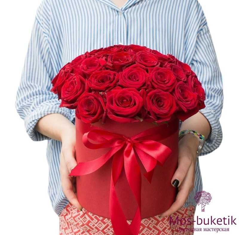 Букет из 25 розы в шляпной коробке