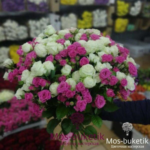Букет из 31 кустовых роз
