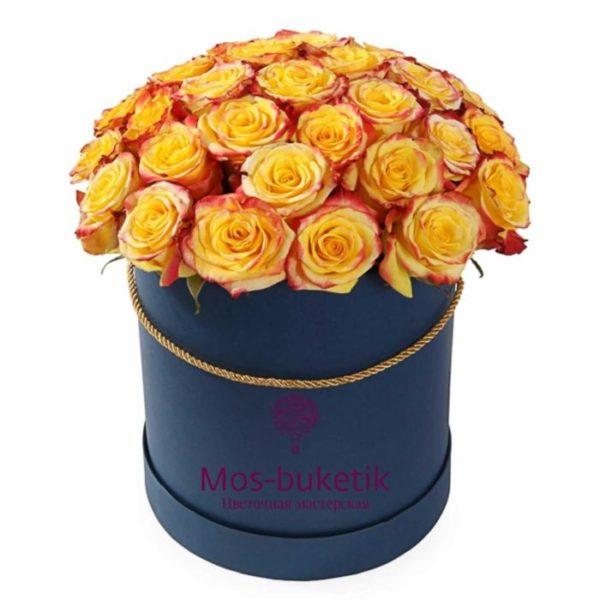 Букет из 25 розы в коробке