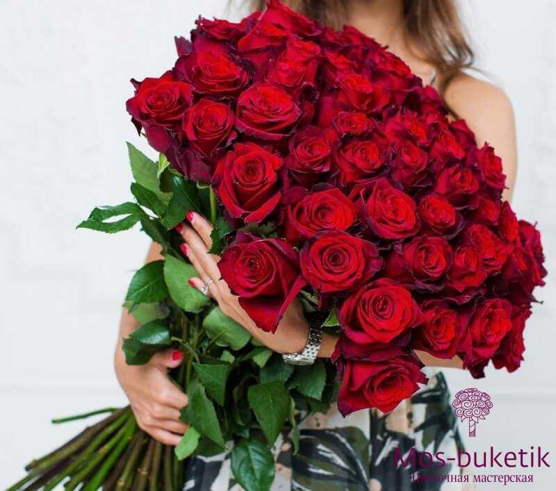 Букет из 51 розы недорого (70см)