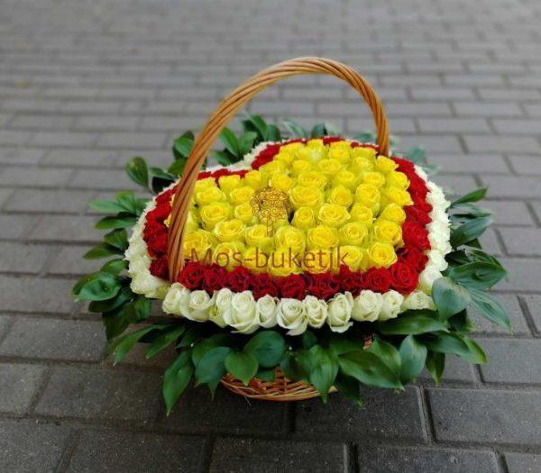 101 розы в корзине в виде сердца