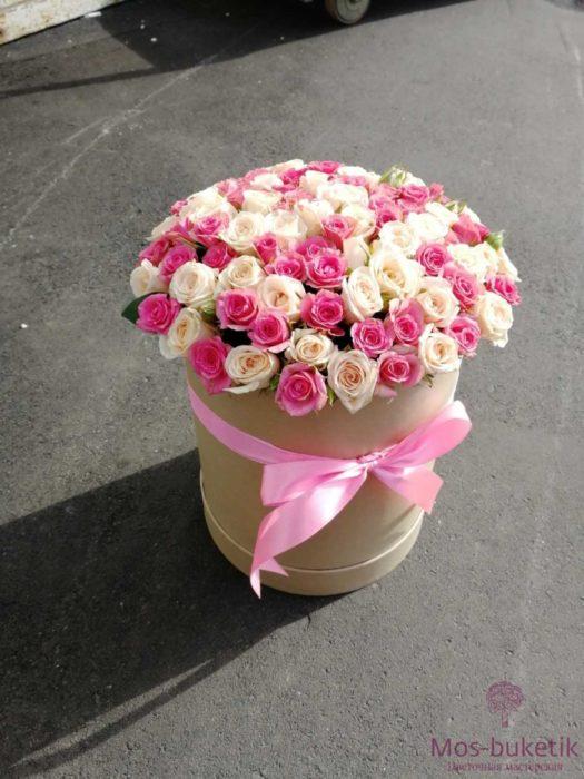 31 кустовые розы в коробке