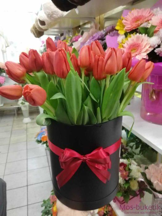31 тюльпанов в коробке